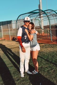 relationships problems,bad relationships,relationships tips,relationships goals Baseball Couples, Sports Couples, Baseball Boyfriend, I Have A Boyfriend, Wanting A Boyfriend, Baseball Boys, Perfect Boyfriend, Boyfriend Goals, Future Boyfriend