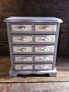 annie sloan chalk paint paris grey and white | Decor Boxes, Boxes Repurposed, Painting Jewelry Boxes, Painted Jewelry ...