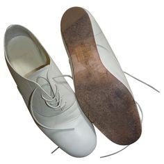YOHJI YAMAMOTO (€190) ❤ liked on Polyvore featuring shoes, oxfords, flats, yohji yamamoto, flat pumps, oxford shoes, oxford flats and oxford flat shoes
