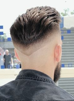 Pin For Trend Presented Latest Haircuts For Men You Should Try in 2019 - Hairstyles 2019 (Best Haircuts & Hairstyle Ideas ) Latest Haircut For Men, Latest Haircuts, Trending Haircuts, Cool Haircuts, Haircuts For Men, Hairstyles Haircuts, Trendy Hairstyles, Hair And Beard Styles, Short Hair Styles