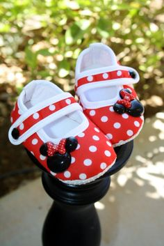 1 pair Mary Jane Baby Crib Shoes DiSNeYLaND by thefloppyflower, $10.95
