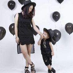 Gặp mẹ cậu bé 3 tuổi sở hữu tủ đồ 100 đôi giày