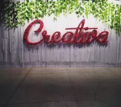 Feria de manualidades y creatividad. Four Square, Neon Signs, Pageants, Creative Crafts, Crystals, Creativity