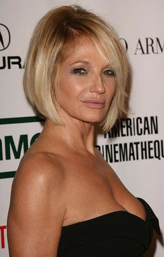 Haircuts For Over 60, Over 60 Hairstyles, Cool Short Hairstyles, Haircuts For Fine Hair, Short Hairstyles For Women, Short Haircuts, Beautiful Hairstyles, Layered Haircuts, Chin Length Haircuts