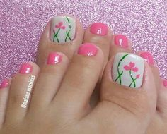 Make an original manicure for Valentine's Day - My Nails Gold Toe Nails, Pretty Toe Nails, My Nails, Pedicure Designs, Toe Nail Designs, Flower Pedicure, Pink Pedicure, Uñas One Stroke, Minimalist Nails