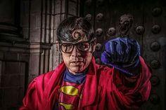 El superman Cholo del centro de lima