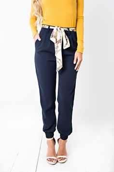 Combine the polished look of trousers with the cool fit of joggers and you get nothing but steaze in these versatile pants. Slanted front pockets and a slim silhouette flatter your figure and keep you