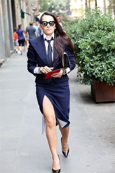 that suit/ Milan / Quirky Fashion, I Love Fashion, Womens Fashion, Women Wearing Ties, Milano Fashion Week, Milan Fashion, Suits For Women, Women Ties, Street Style 2016