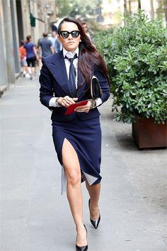 that suit/ Milan / Tomboy Fashion, I Love Fashion, Womens Fashion, Power Dressing, Women Wearing Ties, Milano Fashion Week, Milan Fashion, Tomboy Stil, Preppy Girl