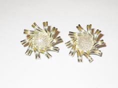 Coro gold toned flower clip on earrings epsteam by betsstuff on Etsy