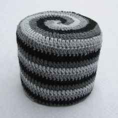 Rolling Around: 4-colour Spiral - Pattern by Woolly Thoughts