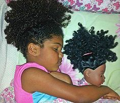 20 Beautiful Babies Who Look Just Like Their Dolls. Cabello Afro Natural, Pelo Natural, Natural Baby, Natural Kids, My Hairstyle, Afro Hairstyles, Beautiful Children, Beautiful Babies, Curly Hair Styles