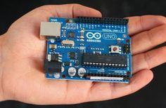 Aprende a hacer una alarma casera con la placa Arduino con estas indicaciones, tienes totalmente explicado tanto el montaje como la realización del programa.