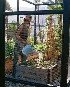 Edible Gardens LA / Lauri Kranz This is how I envision our future veggie garden. Design Jardin, Garden Design, Permaculture, Farm Gardens, Outdoor Gardens, Dream Garden, Home And Garden, Summer Garden, Spring Summer