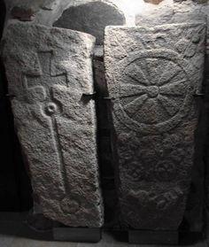 Raision ikivanhat hautakivet