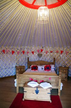 Glamping in Cornwall with Country View Cottages & Yurts - The Aussie Flashpacker Most Luxurious Hotels, Luxury Hotels, World's Most Beautiful, Beautiful Beaches, Communal Kitchen, Large Bbq, Cornwall Beaches, Newquay Cornwall, Yurts