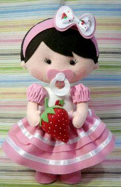 Boneca moranguinho baby Fabric Dolls, Paper Dolls, Girl Dolls, Baby Dolls, Clay Baby, Felt Patterns, Sewing Dolls, Foam Crafts, Art Crafts