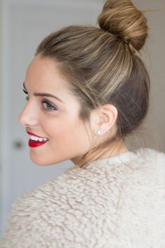 Top Knot + Red lips / Holidays
