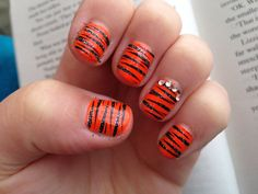 My orange tiger nails