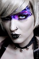 This is not only make up on the face but they have done it so it's over the head which really brilngs that sci fi alien theme together. Becoming A Makeup Artist, Beauty Makeup, Hair Makeup, Alien Makeup, Dance Makeup, Face Design, Family Events, Fantasy Makeup, War Paint