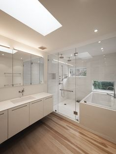 Pictures - Lightbox - Bath in shower