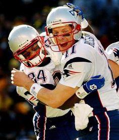 Patriots Fans, Patriots Football, Nfl Football Players, Football Helmets, New England Patriots Wallpaper, Drew Bledsoe, Nfl Photos, Go Pats, Boston Sports