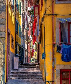 Porto Portugal, Kai, Laundry, Stairs, Laundry Room, Laundry Rooms, Chicken