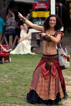 Moresca Clothing and Costume Renaissance Costume, Renaissance Fair, Warrior Makeup, Belly Dancing Classes, Tribal Dress, Period Outfit, Belly Dance Costumes, Steampunk Fashion, Cosplay Costumes