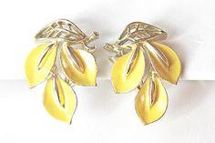 Yellow Enamel Flower Earrings vintage Lisner by 716Buffalos