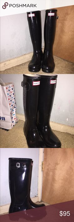 Hunter rain boots In great condition ! Buckles are great, no scratches. The perfect item for fall ! Hunter Boots Shoes Winter & Rain Boots