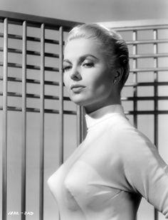 Martha Hyer 1957
