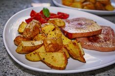 Backofenkartoffeln einfach und lecker, ein schmackhaftes Rezept mit Bild aus der Kategorie Kartoffeln. 240 Bewertungen: Ø 4,5. Tags: Backen, Beilage, einfach, kalorienarm, Kartoffel, Schnell