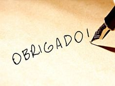Qual é a origem da palavra obrigado? Trata-se de uma palavra peculiar da língua portuguesa e a sua origem é curiosa, tal como muito do nosso português. Arabic Calligraphy, Tattoos, Download, Namaste, Astronomy, Sim, Curriculum, Internet, Humor