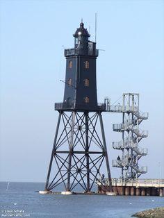 Photos of Obereversand light - AIS Marine Traffic