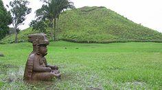 La Venta, umělá sopka Olméků. Olmékové měli úctu ke zvířatům, hlavně k chřestýši, opici a harpyji. Také hrávali posvátnou hru o vyvedení slunce z podsvětí, která mohla končit obětí poražených.