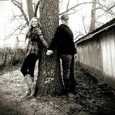 #couples #outdoor #pictureideas #carveitinatree #love #rustic