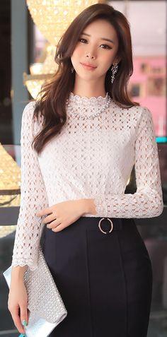 StyleOnme_Feminine Romantic Lace Blouse #floral #lace #feminine #elegant #koreanfashion #blouse #kstyle #seoul #officelook