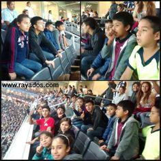 Niños y niñas de la Casa Paterna La Gran Familia invitados en palco principal del Estadio BBVA Bancomer.
