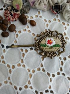 Handmade vintage hairpin/embroidered.white.flower by Sujstory