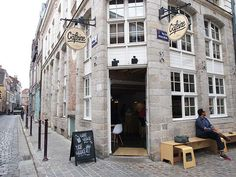 Caféine Coffee Lille: coffee hotspot   http://www.yourlittleblackbook.me/cafeine-coffee-lille/ Best coffee bar in Rijsel (France). More traveltips are in the Lille City Guide on the blog!