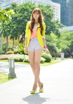 http://itscamilleco.com (Neons & Pastels on Camille Tries To Blog)