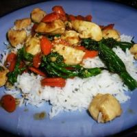 Chicken Stir Fry with Rice. Discover our recipe rated by 16 members. Dairy Free Recipes, Rice Recipes, Asian Recipes, Cooking Recipes, Healthy Recipes, Asian Foods, Chinese Recipes, Stir Fry Rice, Chicken Stir Fry