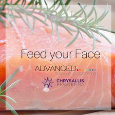 O σολωμός πρωταγωνιστεί σε όλα τα πιάτα των σταρ! Σύμφωνα με τον δερματολόγο της Ούμα Θέρμαν δρ.Nicholas Perricone η συστηματική κατανάλωση ψητού σολωμού βοηθάει τόσο το δέρμα μας όσο και την προσπάθειά μας να χάσουμε άμεσα βάρος. Πλούσιος σε βιταμίνη Ε και σε πολυακόρεστα ω-3 λιπαρά οξέα είναι η καλύτερη επιλογή για ένα όμορφο και λαμπερό δέρμα. Skin Care, Fruit, Face, Skincare, The Fruit, Skin Treatments, Faces, Facial