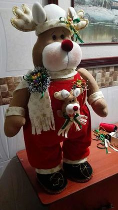 Hobbies For 7 Year Olds Mary Christmas, Christmas Sewing, Christmas Deer, Christmas Time, Christmas Wreaths, Christmas Crafts, Christmas Decorations, Xmas, Christmas Ornaments