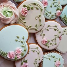 New cookies wedding sweets Ideas Fancy Cookies, Iced Cookies, Cute Cookies, Easter Cookies, Royal Icing Cookies, Cupcake Cookies, Sugar Cookies, Heart Cookies, Mother's Day Cookies