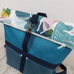 Sac à dos Troïka bleu à motifs abstraits cousu par Marie - Patron Sacôtin