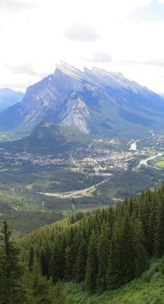 Travelling to Banff, Canada? Here's everything you need to know about this fabulous town in the Canadian Rocky Mountains. http://wanderingcarol.com/banff-canada/