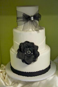 Wedding Cake - Black