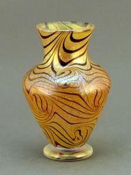 """King Tut Medium Vase  Beautiful gold iridescent kingtut  6"""" tall"""
