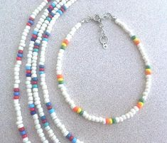 White Glass Seed Bead & Multicolored Accent Bead Ankle Bracelet, Plus Size BOHO Stacking Anklets, Trending Anklets w/Seed Beads Handmade - diy jewelry To Sell Ideen Seed Bead Necklace, Seed Bead Jewelry, Diy Necklace, Diy Jewelry, Beaded Jewelry, Handmade Jewelry, Fashion Jewelry, Seed Beads, Beaded Necklaces